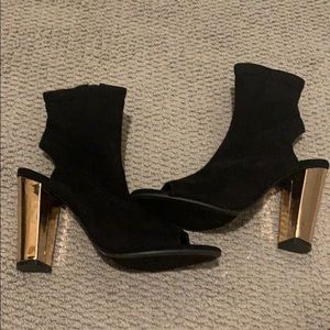Pee Toes Booties with Gold Heels